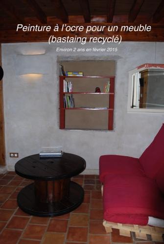 peinture à l'ocre - meuble.JPG