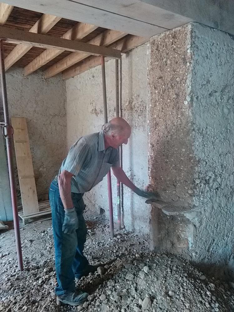 chantier r alis ouverture de 3 5 m tres dans un mur en pis st hilaire du rosier is re. Black Bedroom Furniture Sets. Home Design Ideas