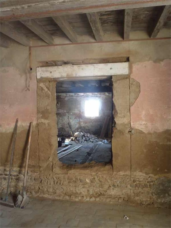 chantier cole ouvertures vari es dans un mur en pis formaterre. Black Bedroom Furniture Sets. Home Design Ideas