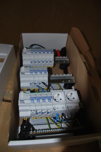pisé, chantier participatif, électrique, électricité