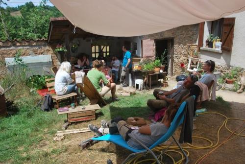 enduit, chaux, pisé, chantier participatif, chantier, chantiers participatifs, Formaterre